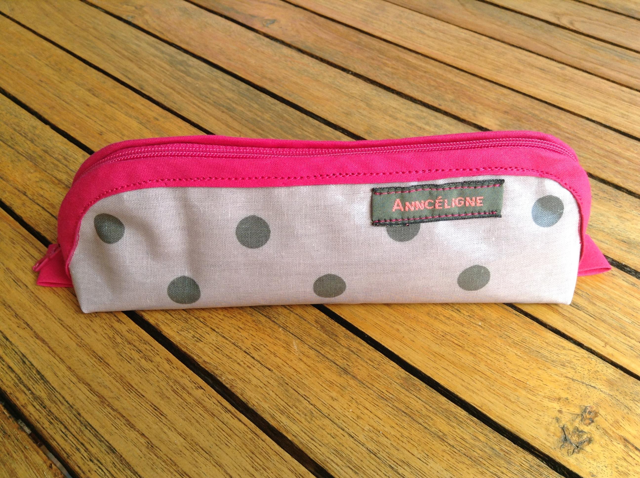 tache de stylo sur tissu retirer les taches de maquillage pour retirer sur du tissu une tache. Black Bedroom Furniture Sets. Home Design Ideas